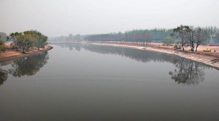 800px-Beijing_river_bend